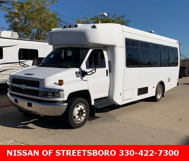 Pre-Owned 2008 Chevrolet C5500 Bus W/ WHEELCHAIR LIFT